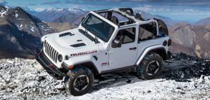2020 Wrangelr in White driving on boulders