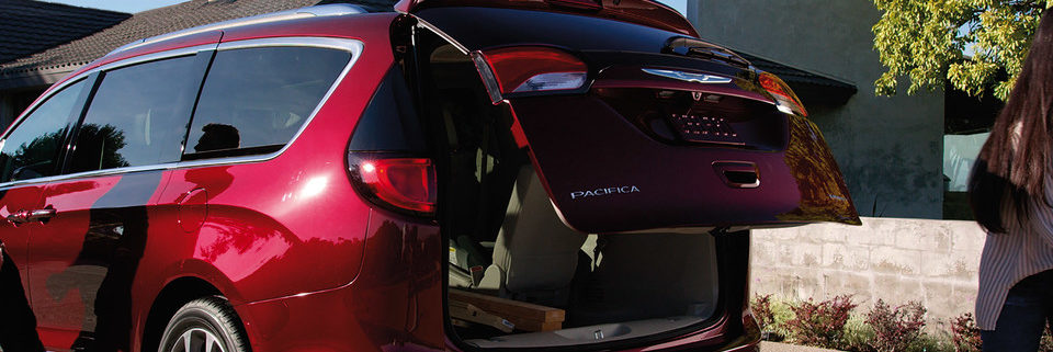 Rear of 2020 Chrysler Pacifica back opening