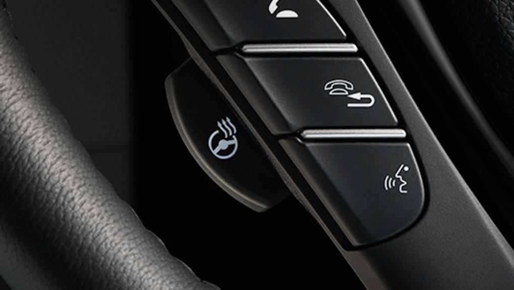 A closeup of the heated steering wheel in the 2019 Honda Pilot