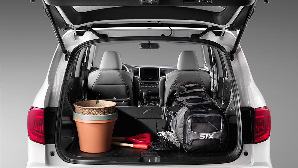 Customizable cargo and passenger space is standard in the 2019 Honda Pilot