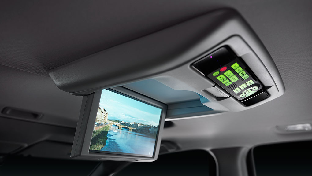 The ceiling mounted entertainment screen in the 2019 Honda Pilot.