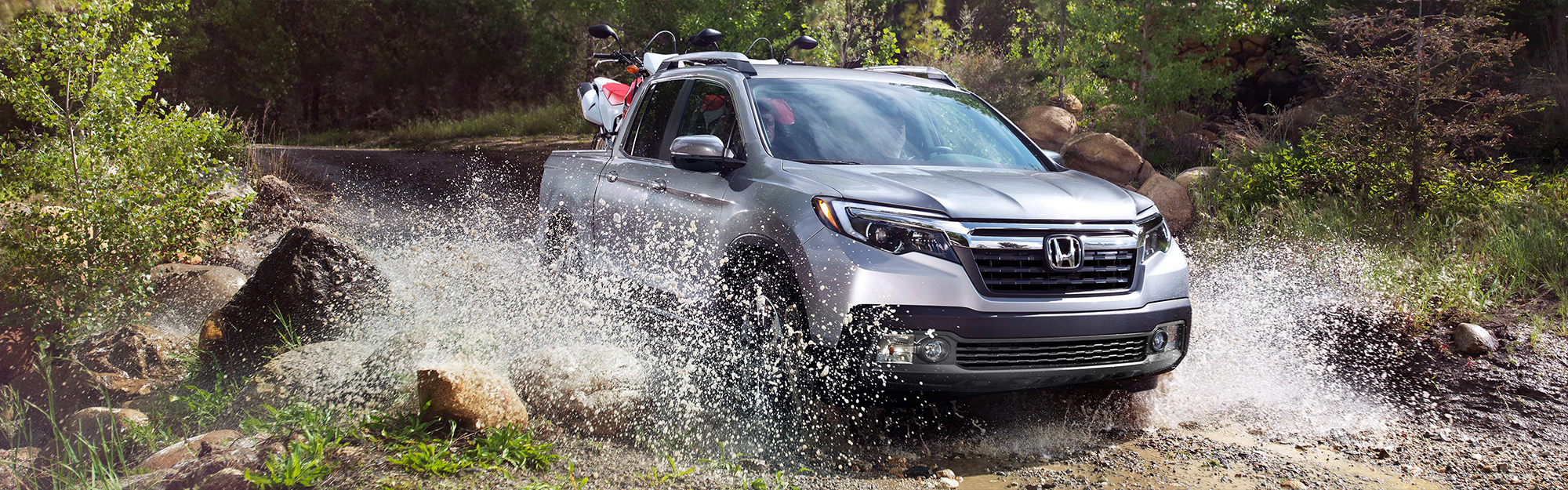 2019 Honda Ridgeline driving through water