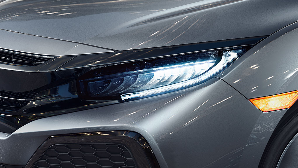 2019 Honda Civic Hatchback high beam headlights