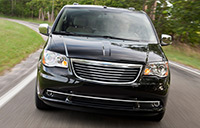 2013-chrysler-town-and-country-performance-huntsville