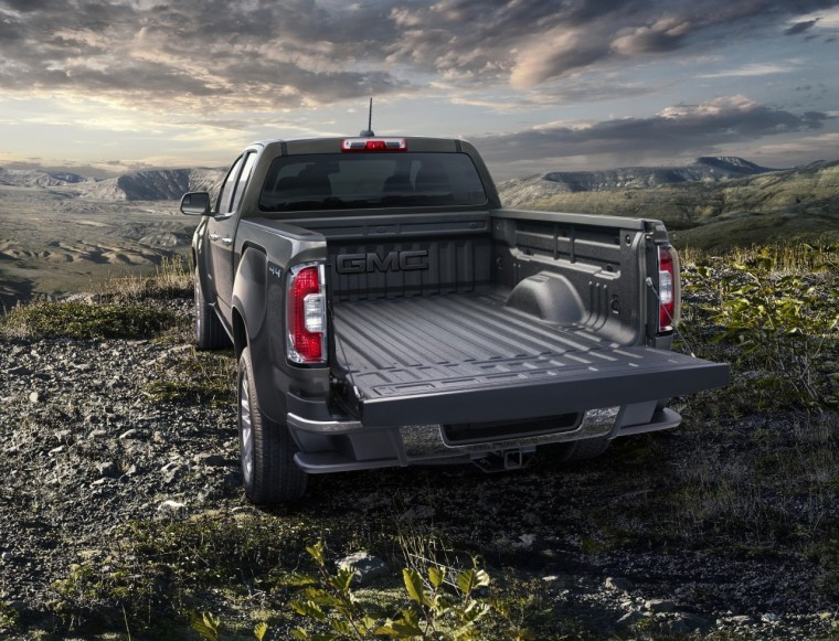 Gmc Canyon Factory Spray Inbedliner 028 760x581