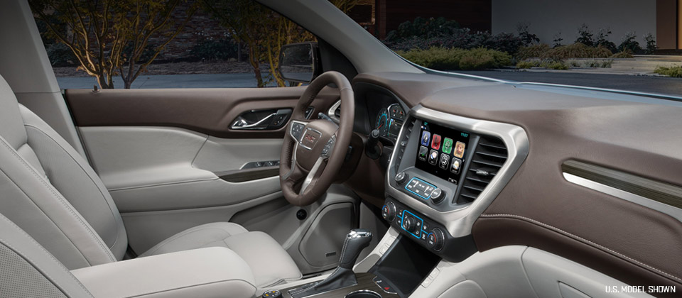 The stylish interior of the 2019 GMC Acadia