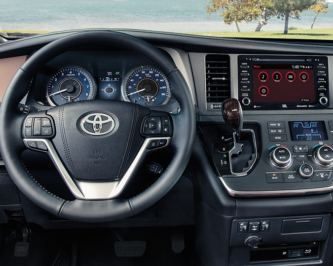 2018 Toyota Sienna Interior Dashboard