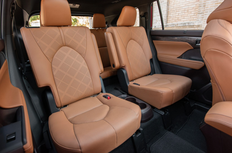2020 Toyota Highlander Hybrid Seating