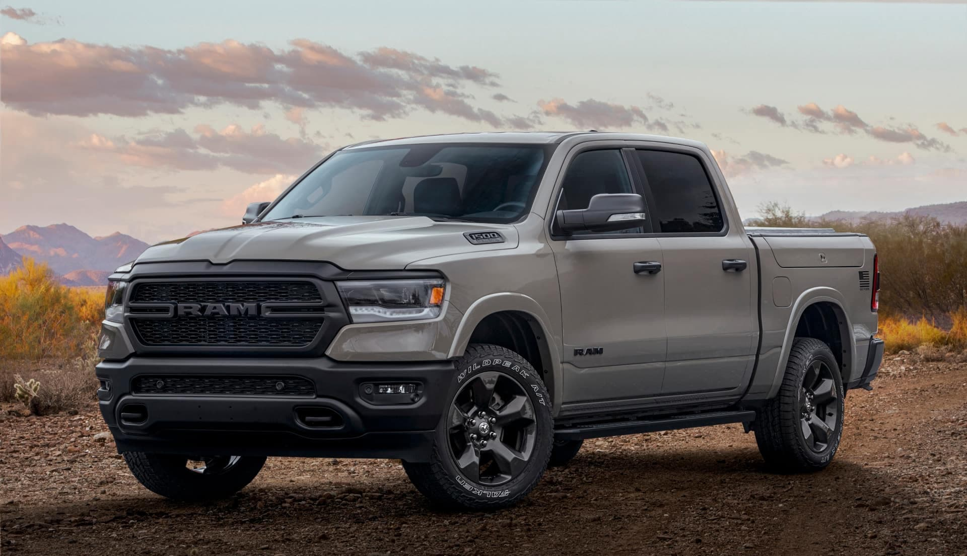 Front 3/4 view of the 2021 Ram 1500