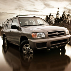 grey-nissan-pathfinder