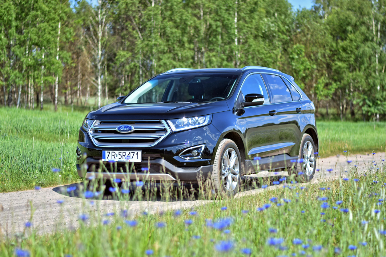 Ford Edge driving on a road