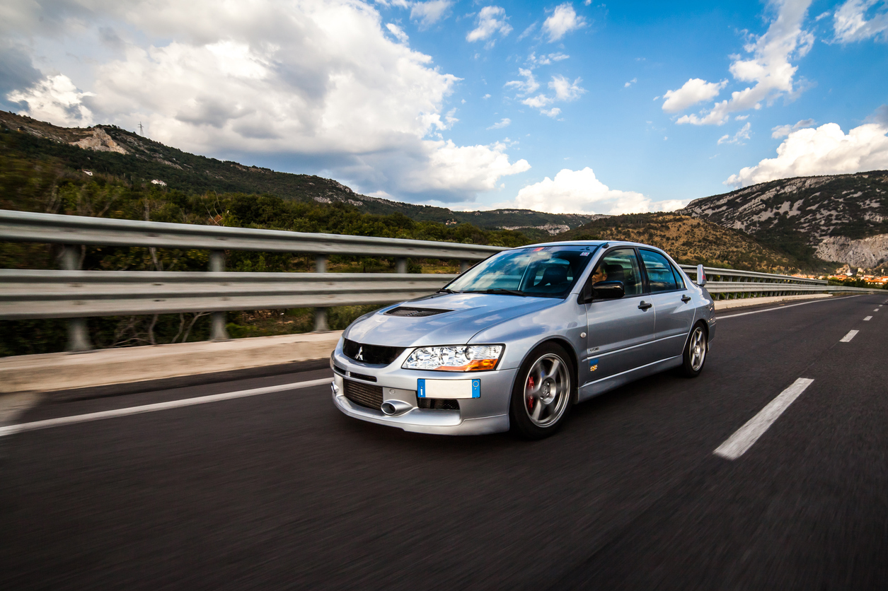 Mitsubishi EVO 8 on highway