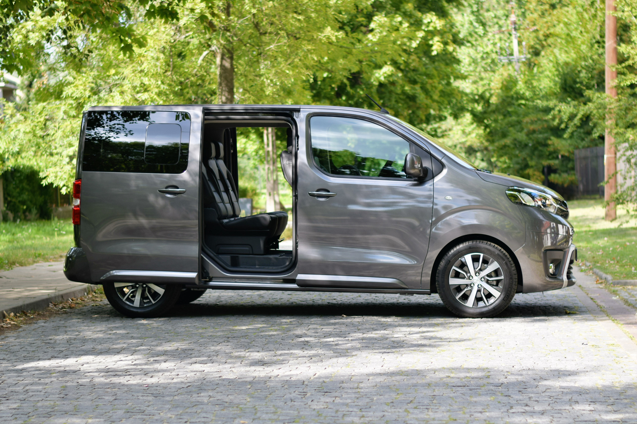 Toyota Proace Verso on the street