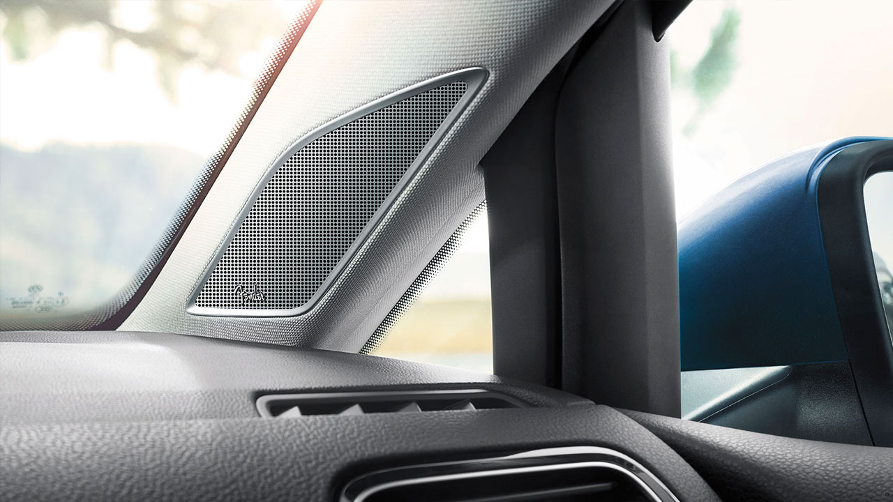 2019 VW Golf Hatchback - 8-speakers Fender Audio System
