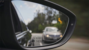 features-passat-blind-spot-detection