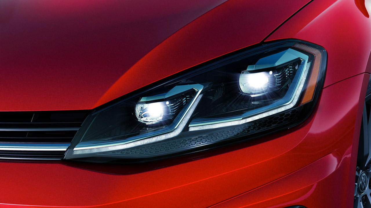 2019 Golf R Adaptive LED Headlights