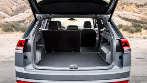 Atlas Cross Sport open hatch