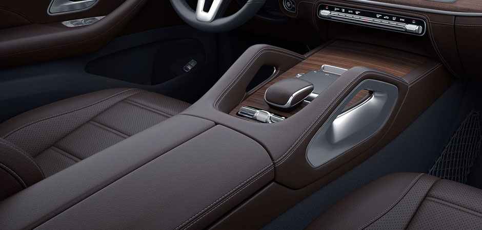 2020 GLE SUV Interior middle Column and shifter