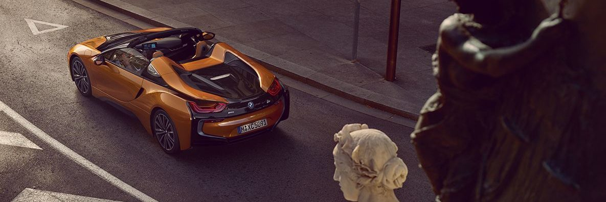 Exterior of the BMW i8 Roadster from behind