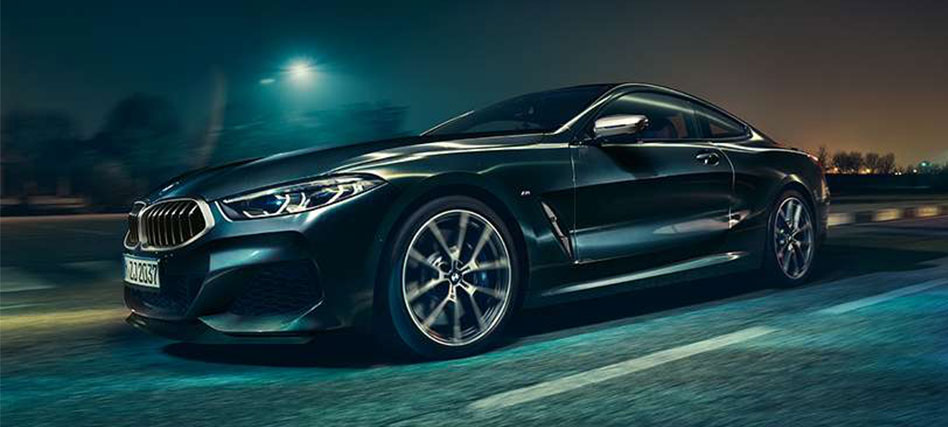 BMW-8-Series night drive