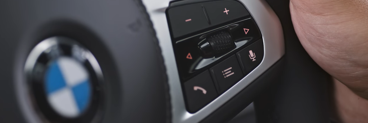 Operating System 7 voice control button on steering wheel