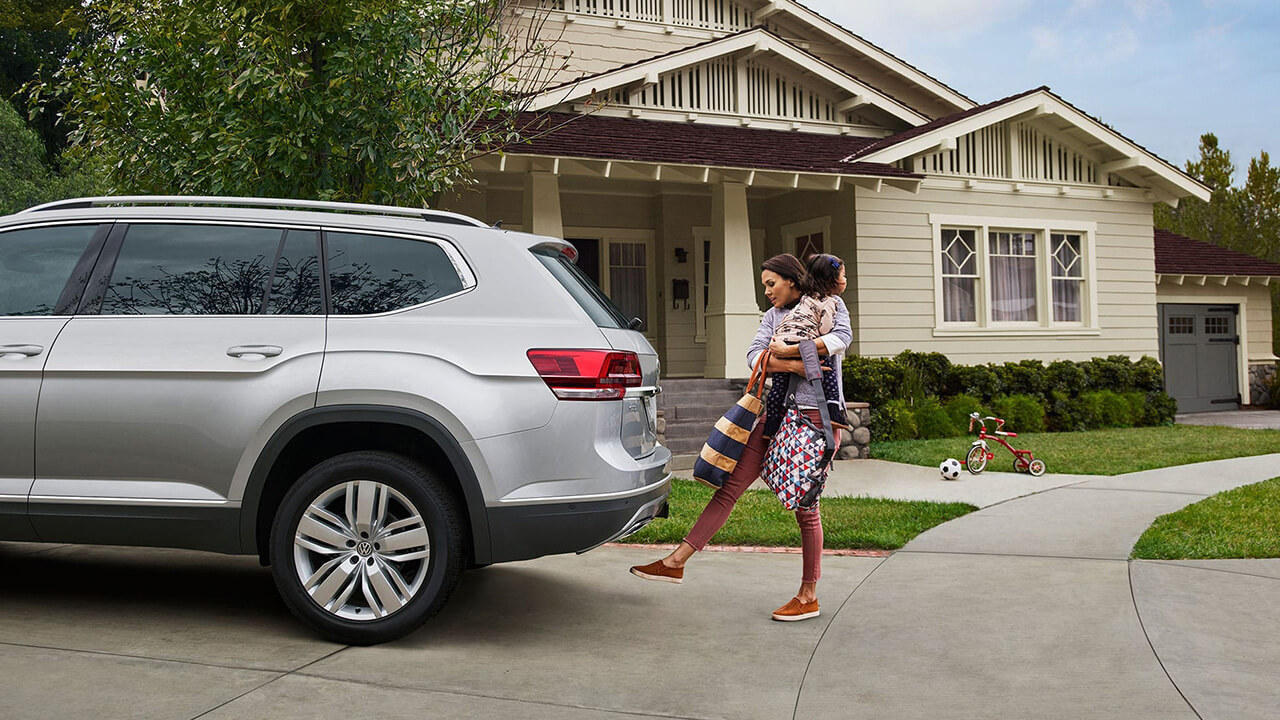VW Atlas with power liftgate