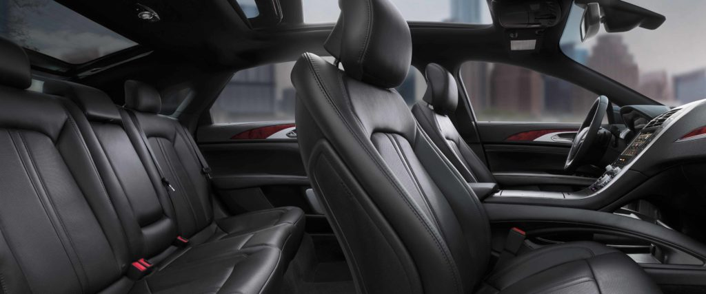 leather interior of the 2019 lincoln mkz