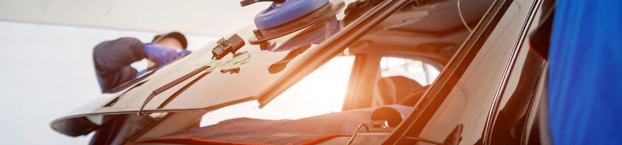 Choose Mercedes SmallRepair for your windshield replacement