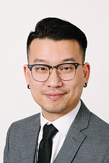 Ray Ren - Star Sales & Leasing Consultant