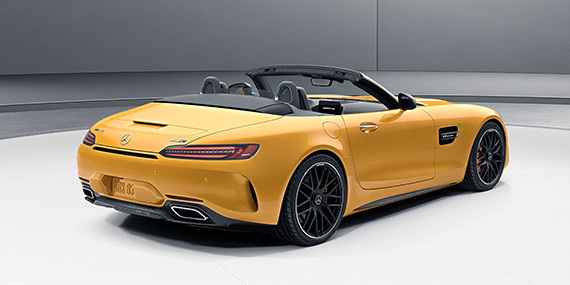 Mercedes-Benz Roadster - Tailored to Transform