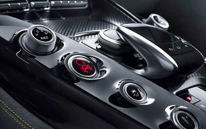 Mercedes-Benz Calgary   Mercedes-AMG GT Coupe Touchpad