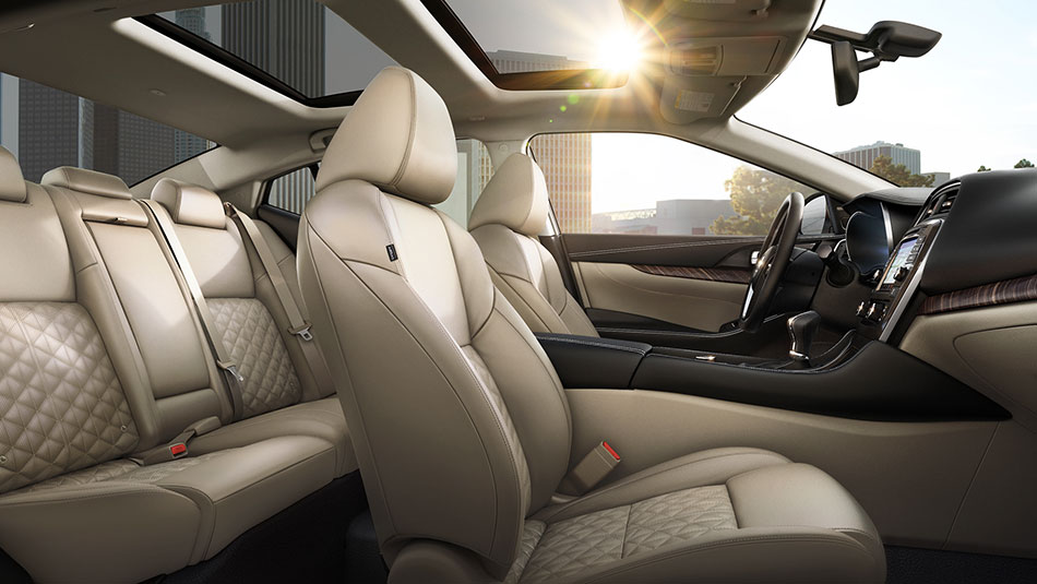Interior of Nissan Maxima featuring Cashmere Beige Leather