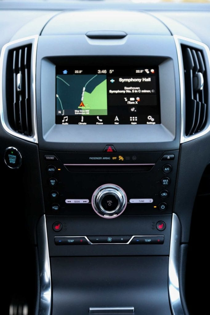 view of the centre stack in the 2019 Ford Edge ST in Agate black