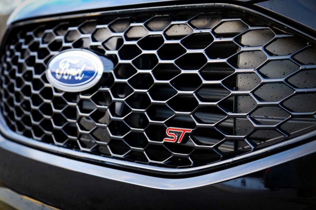 2019 Ford Edge ST in Agate black grille close-up