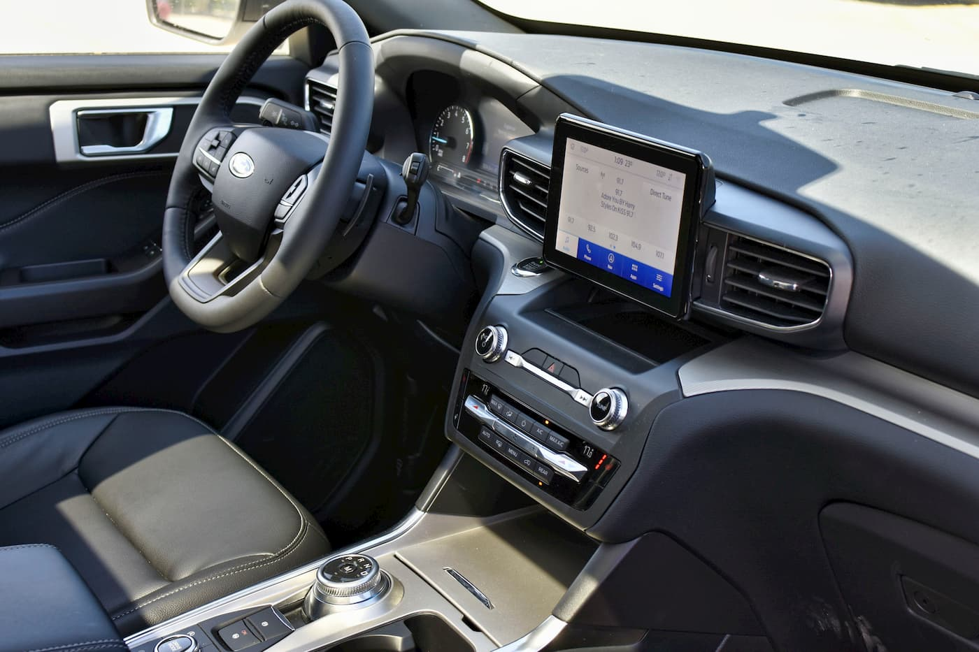 2020 Ford Explorer Front Dash Shot