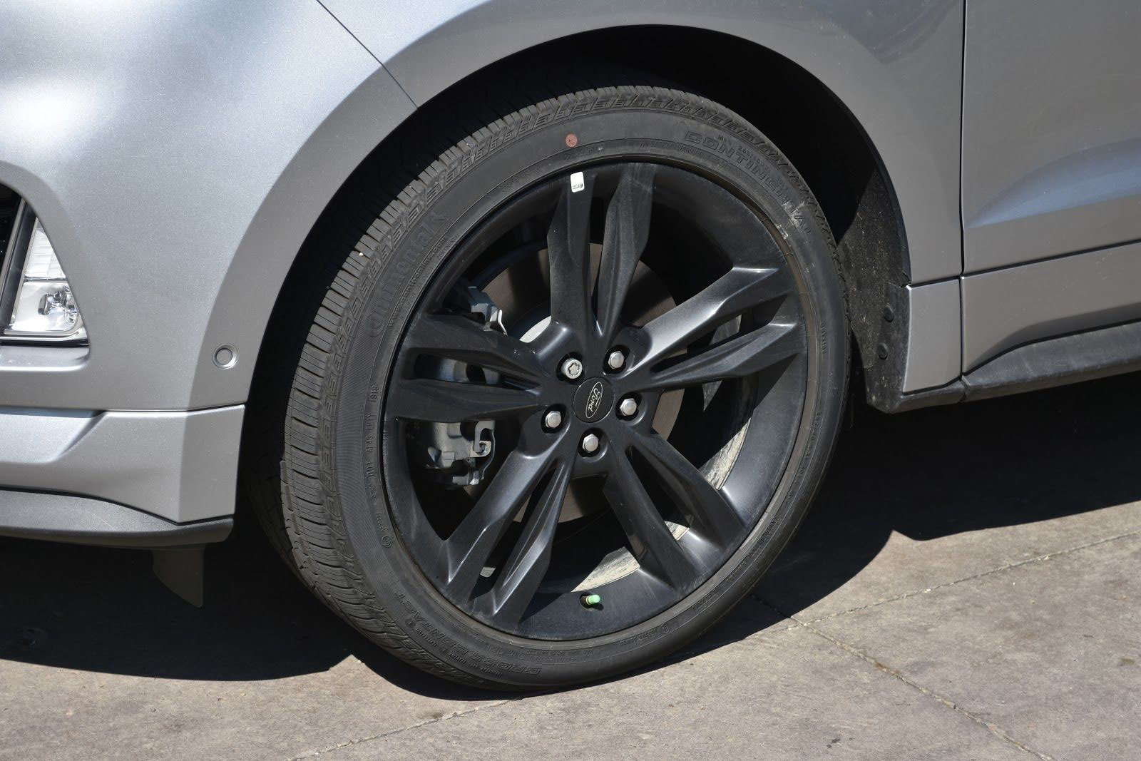 2020 Ford Edge ST Tire