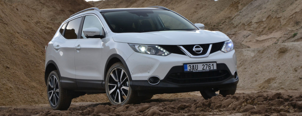 european nissan qashqai driving in desert