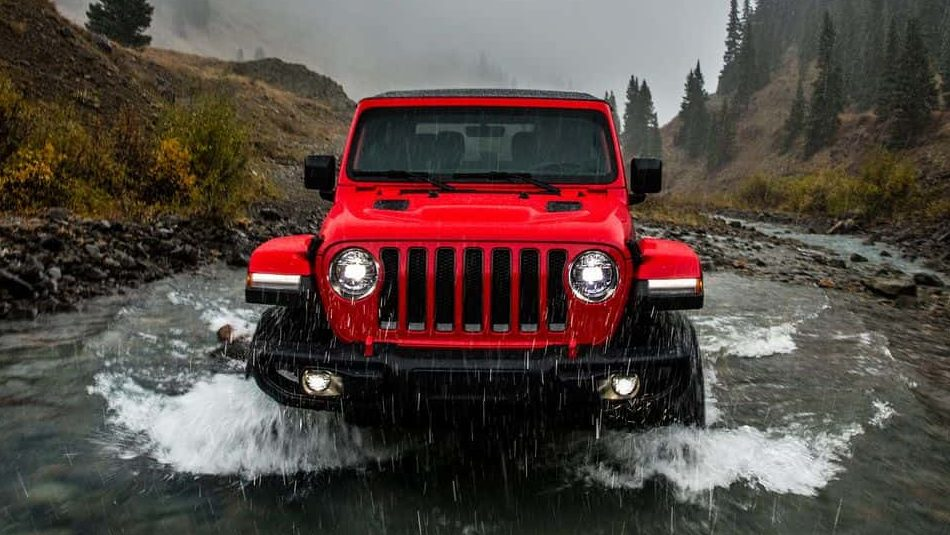 A 2018 Jeep Wrangler tackles a river with no worries