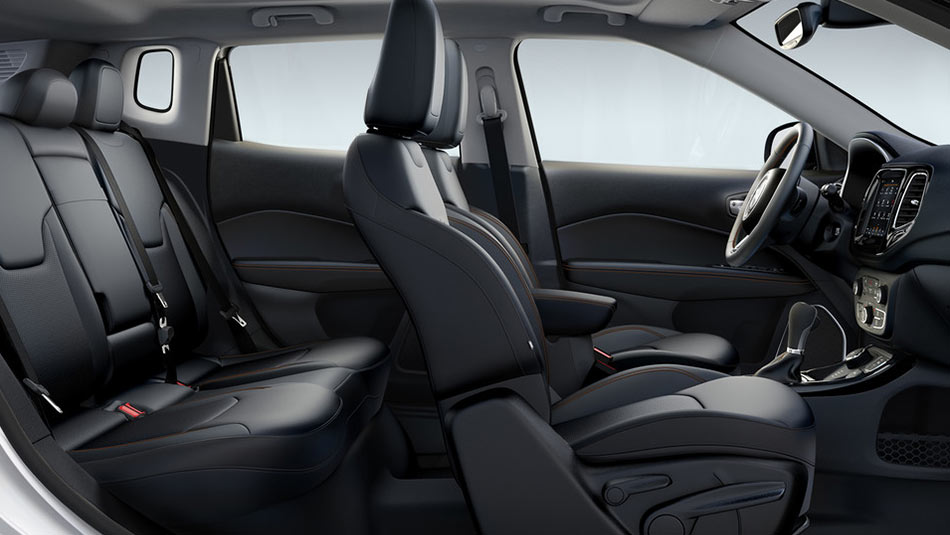 2019 Jeep Compass Interior with leather seats