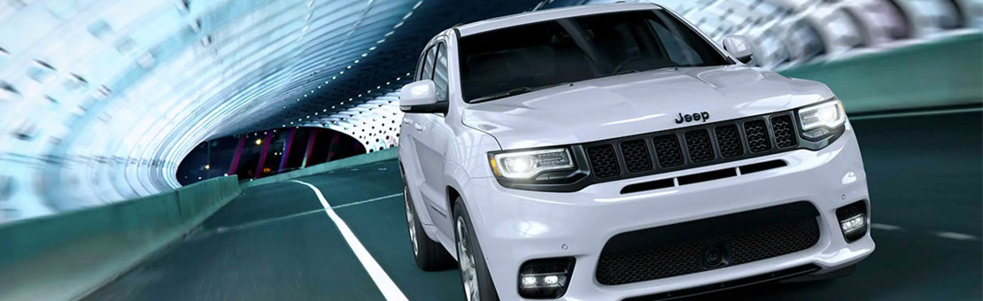 2019-Jeep-Grand-Cherokee-Gallery-Performance-White-Night-Tunnel