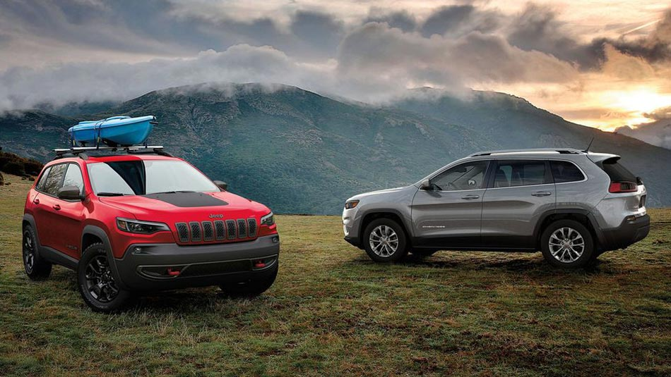 Jeep Cherokee 2019 red silver outdoors