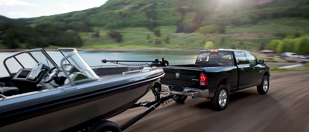 RAM 1500 towing boat