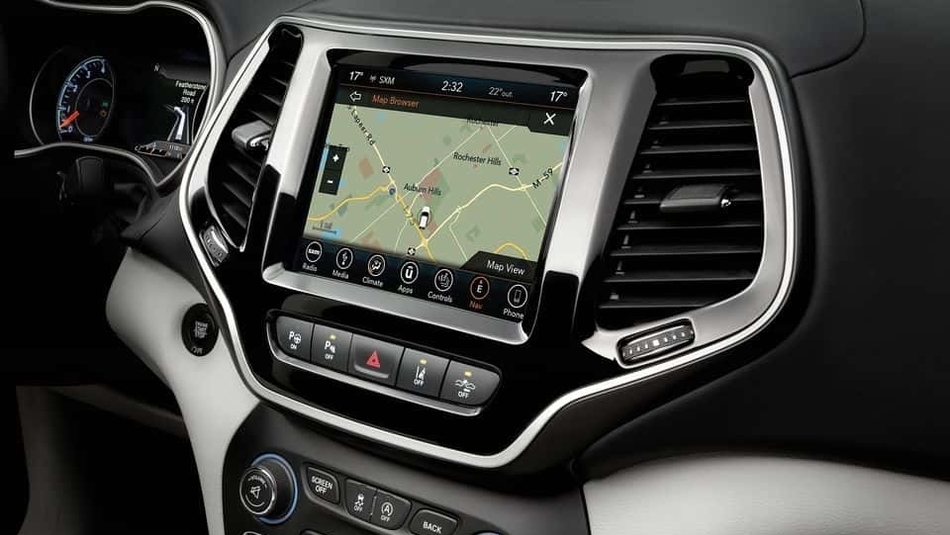 The interior console of the 2019 Jeep Cherokee