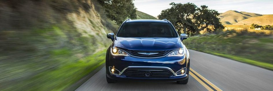 Front of the Chrysler Pacifica Hybrid drving front on