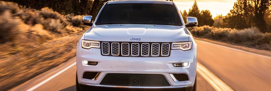 2018 White Jeep Grand Cherokee front