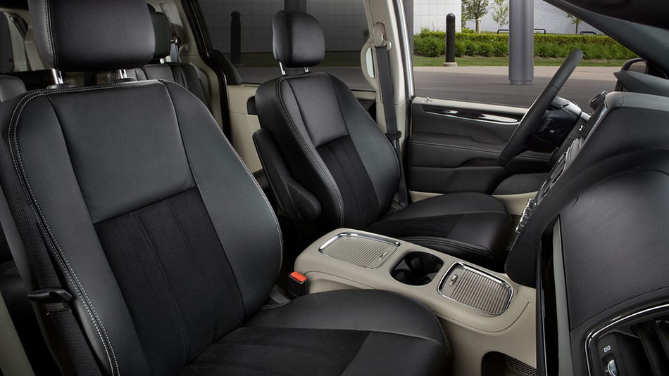 2019 Dodge Grand Caravan Interior view of driver and passenger seating