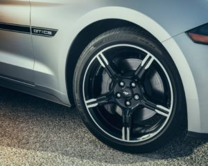2019 Mustang wheels with centre caps