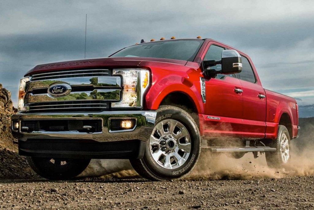 2019 Ford Super Duty LARIAT Crew Cab on worksite