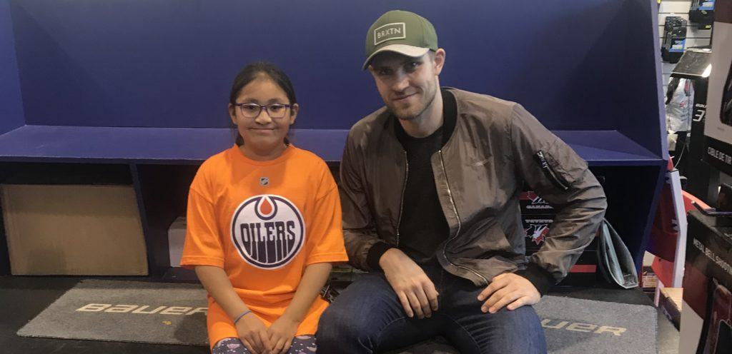 Leon Draisaitl and our Gear for a Year Contest winner