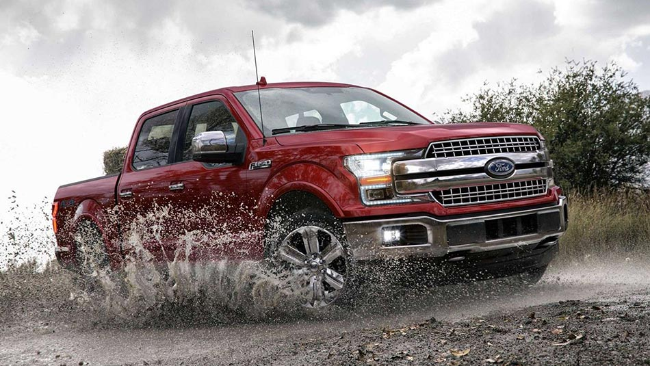 2019 Ford F-150 LARIAT SuperCrew in Ruby Red